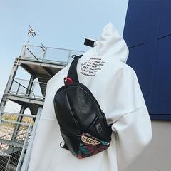 กระเป๋าผู้ชาย ราคาถูก กระเป๋าสะพายอก กระเป๋าคาดเอว กระเป๋าสะพายไหล่ เท่ๆ มี สีดำลาย สีดำ