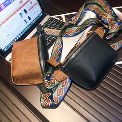 กระเป๋าผู้ชาย ราคาถูก กระเป๋าสะพายอก กระเป๋าสะพายไหล่ กระเป๋าถือ มี สีดำ สีกาแฟ