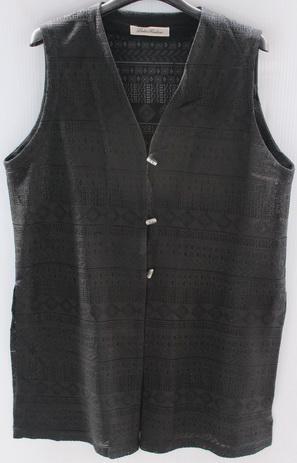 รอบอก 42  เสื้อผ้าผู้หญิง เสื้อแฟชั่น เสื้อคลุมตัวยาว เสื้อกั๊ก ผ้าลายลูกไม้สีดำ