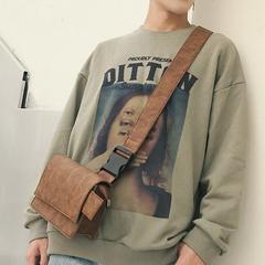 กระเป๋าผู้ชาย ราคาถูก กระเป๋าสะพายข้าง กระเป๋าถือ มี สีน้ำตาล