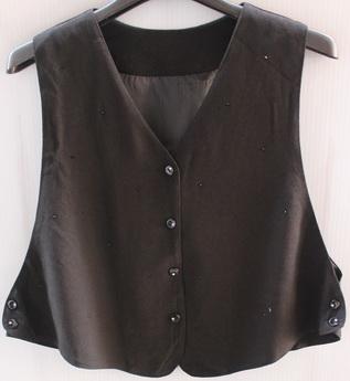 รอบอก 38  เสื้อผ้าผู้หญิง เสื้อกั๊กแฟชั่น ตัวสั้น เสื้อกั๊กผ้านิ่ม แต่งลูกปัด มีซับใน