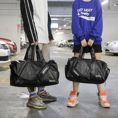 กระเป๋าผู้ชาย ราคาถูก กระเป๋าสะพายข้าง กระเป๋าถือ กระเป๋าออกกำลังกาย เท่ๆ มี สีดำ-เล็ก สีดำ-ใหญ่ สีแดง-เล็ก สีแดง-ใหญ่