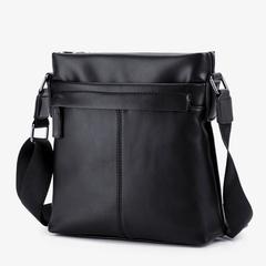 กระเป๋าผู้ชาย ราคาถูก กระเป๋าสะพายข้าง กระเป๋าถือ กระเป๋าออกกำลังกาย เท่ๆ มี สีดำ