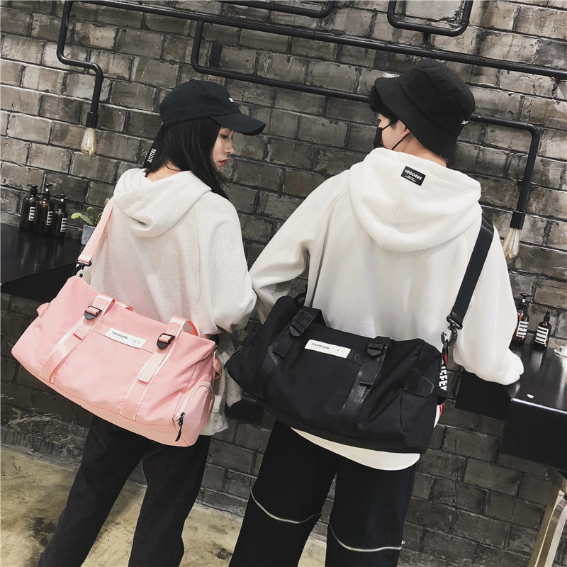 กระเป๋าผู้ชาย ราคาถูก กระเป๋าสะพายข้าง กระเป๋าถือกระเป๋ากีฬา  เท่ๆ มี สีดำ สีเทา สีชมพู