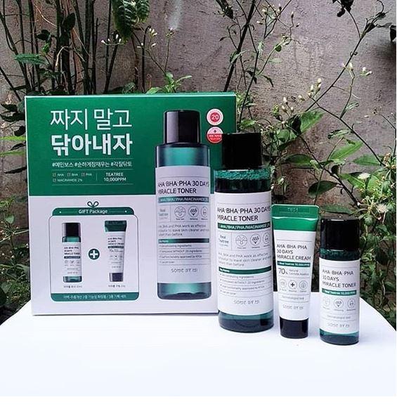 *พร้อมส่ง*SOME BY MI AHA-BHA-PHA 30 Days Miracle Toner Special Set Edition 3 Items เซ็ทรักษาสิวขนาดทดลองใหม่จากซัมบายมี สุดฮิตจากเกาหลี ช่วยให้คุณสาวๆมีสุขภาพผิวที่ดี ในเซ็ทมีโทนเนอร์ 2 ขนาด ขนาดปกติ 150 ml. ขนาดทดลอง 30 ml. และครีม ขนาดทดลอง 20 g. ช่วยผล