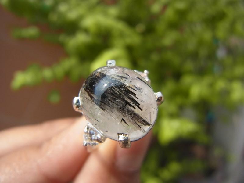 แหวนเงินแก้วขนเหล็กน้ำขุ่น  ฝังเพชร
