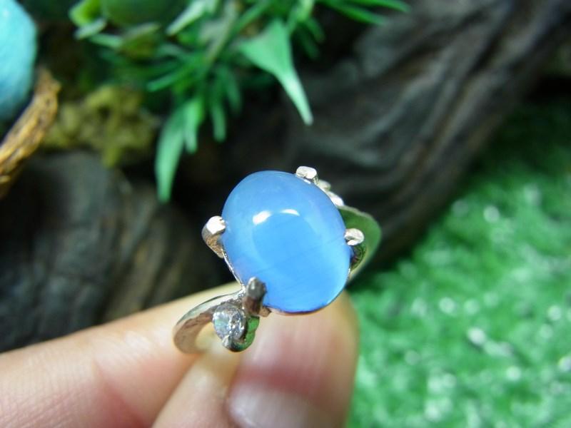 แหวนเงินพลอยตาแมวสีฟ้า (ไพทรูย์)