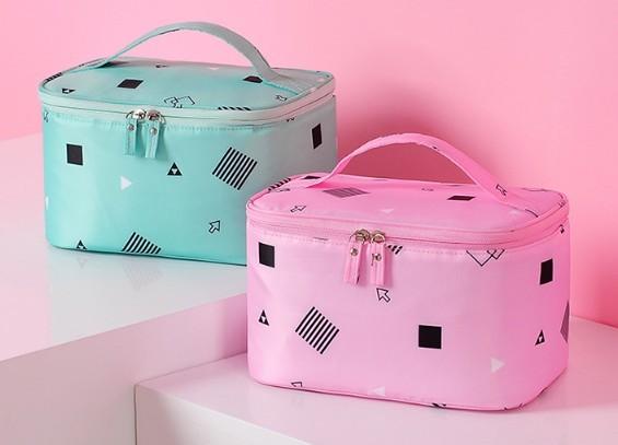 กระเป๋าใส่เครื่องสำอางค์ สกรีนโลโก้