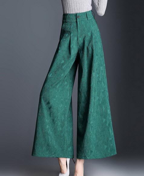 พรีออเดอร์ กางเกงขายาว ทรงสวย สไตลเรียบหรู กางเกงขาบาน สี ดำ แดง เขียว กรม