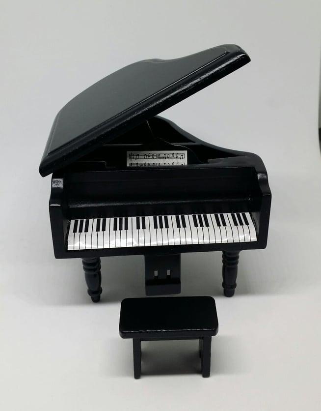 C004-เปียโนจิ๋ว