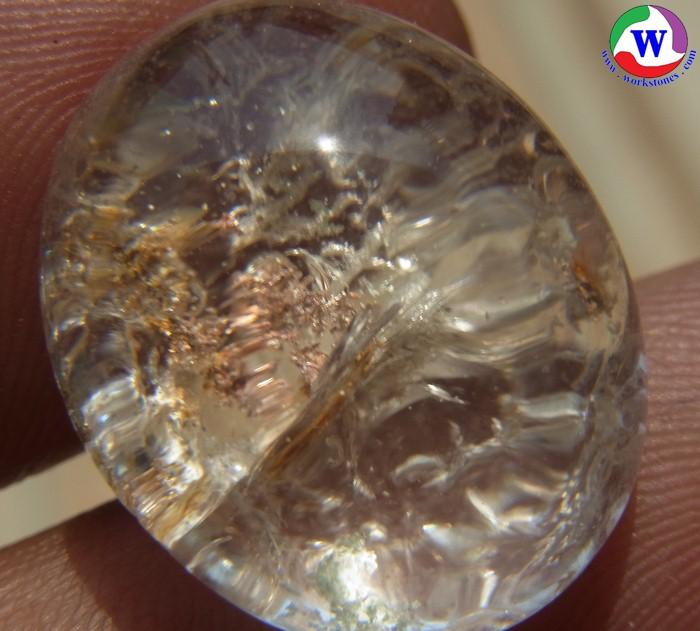 แก้วโป่งข่ามนำโชค 31.60 กะรัต แก้วปวก 3 สี นาคเงินทอง กาบใสวาวเงิน