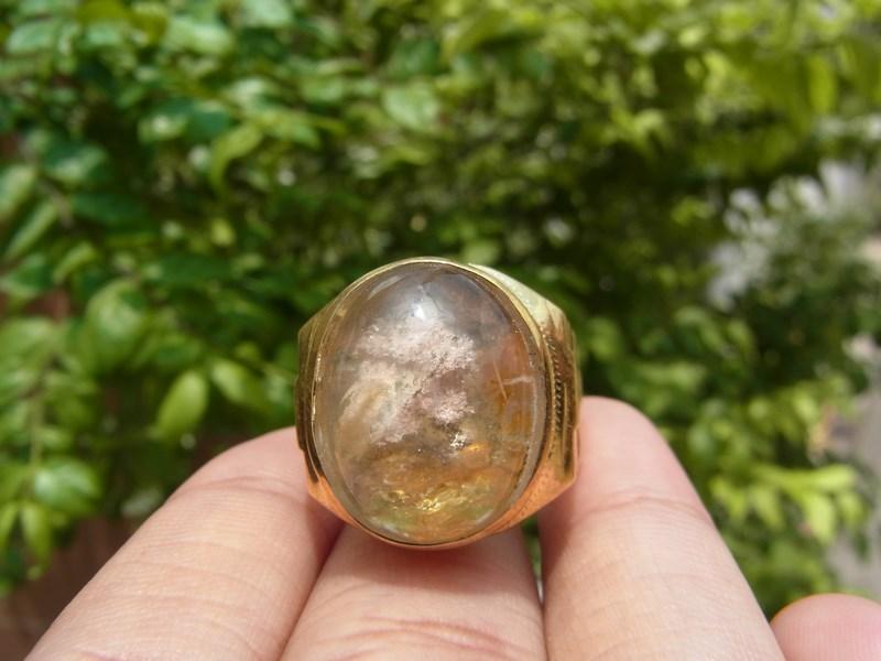 แหวนทองเหลืองชาย เบอร์ 63 แก้วปวกสีชมพู เขียว +กาบสีทอง