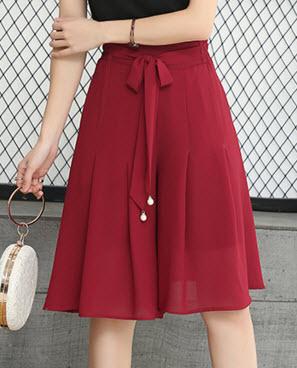 พรีออเดอร์ กางเกงชีฟองสวย ๆ กางเกงขาสั้น มีสายผูกเอวน่ารัก ๆ เอวยืดหยุ่น งานสวยมาก สี น้ำตาล แดง ดำ กรม ขาวดำลายจุด