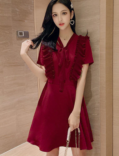 พรีออเดอร์ เดรสสั้น เดรสแฟชั่นเกาหลีสวย ๆ ผูกโบว์ด้านหน้า มีสองสี แดง และดำ