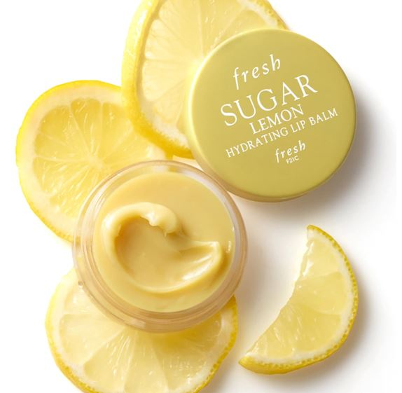 **พร้อมส่ง**Fresh Sugar Lemon Hydrating Lip Balm 6 g. (Limited Edition) ลิปบาล์มเข้มข้นบำรุงริมฝีปากกลิ่นเลมอนมอบการบำรุงริมฝีปากอย่างล้ำลึก เนื้อลิปบาล์มเข้มข้น มอบความชุ่มชื้นได้ยาวนานตลอดทั้งวัน ฟื้นคืนความเนียนนุ่ม พร้อมกลิ่นหอมอ่อนๆ ให้ความรู้สึกสดชื