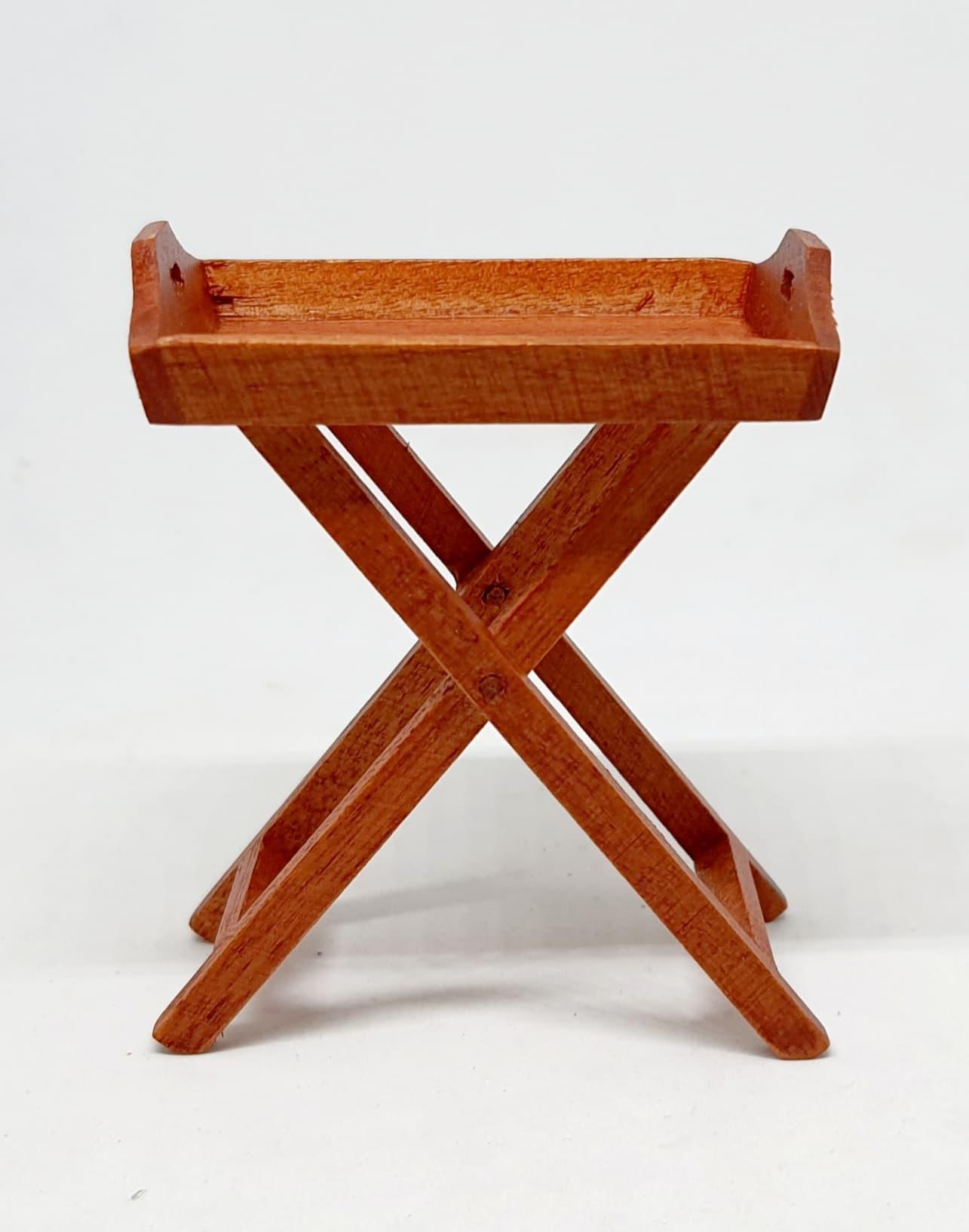 A047-โต๊ะไม้จิ๋ว