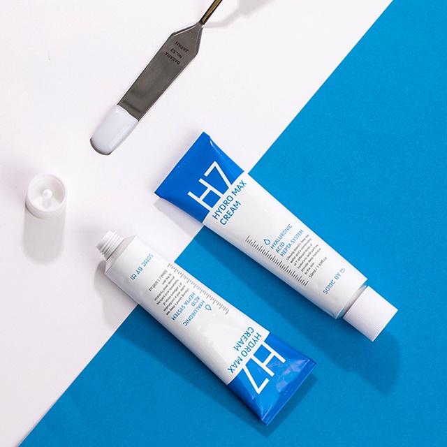 *พร้อมส่ง*SOME BY MI H7 Hydro Max Cream 50 ml. ครีมไฮยารูลอนเติมความชุ่มชื่นให้ผิวแบบเต็ม Max เข้มข้นสูงสุด ให้ผิวฟูนุ่มอิ่มน้ำตั้งแต่ครั้งแรกที่ใช้ เหมาะสำหรับผิวแพ้ง่ายบอบบาง ผิวขาดน้ำ ผื่นแดง ลดสิวให้จางลง 97% ได้ใน 30 นาที