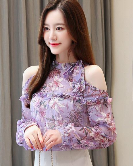 พรีออเดอร์ เสื้อลายดอก เปิดไหล่ สายเดี่ยว แฟชั่นเกาหลีสวย ๆ ผ้าชีฟองสวย ๆ สีม่วง