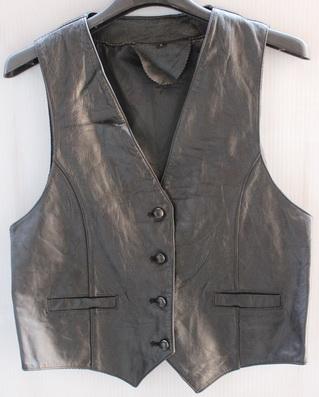 รอบอก 33/34  เสื้อกั๊ก วินเทจ หนังแท้สีดำ