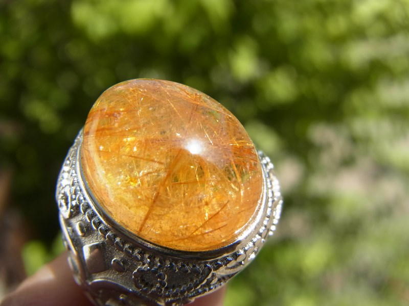 แหวนแก้วไหมทองน้ำใส ตัวเรือนโรเดียม เบอร์ 59
