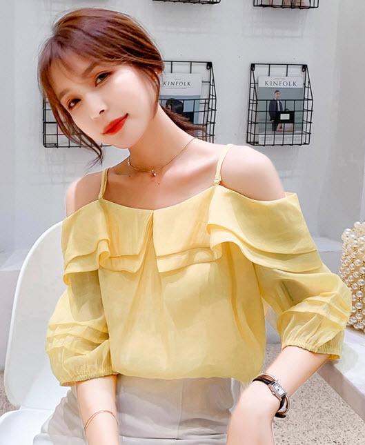 พรีออเดอร์ เสื้อผ้าแฟชั่น แขนสั้น สายเดี่ยว เปิดไหล่ คอบัว สวย ๆ สไตลเกาหลี แขนตุ๊กตา สี เหลือง และขาว