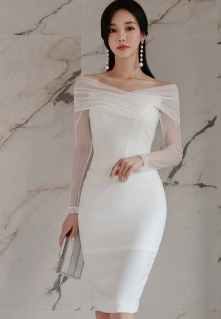 พรีออเดอร์ เดรส สวย ๆ ชุดราตรี เดรสออกงาน ไปงานแต่ง เรียบหรู ไฮโซสุด ๆ แขนยาว สีขาว