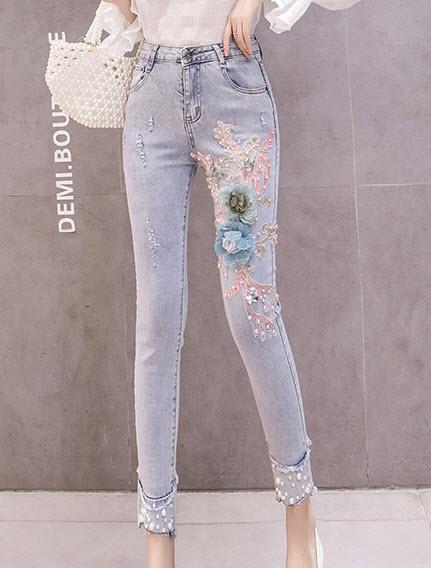พรีออเดอร์ กางเกงขายาว ปักดอกไม้สีหวานด้านหน้า ทรงสกินนี่ ยีนส์สวย ๆ สไตลเกาหลี สียีนส์อ่อน