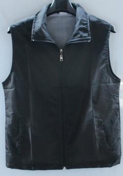 ไซส์ M  เสื้อกั๊ก ผ้าโพลี สีดำ เสื้อกั๊กงานกิจกรรม เสื้อกั๊กจิตอาสา