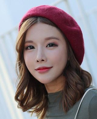 พร้อมส่ง หมวกไหมพรม หมวกกันหนาว ผ้าวูล เท่ห์ สไตลเกาหลี กันหนาวในต่างประเทศหรือในไทยก็ได้ สี แดงเข้ม