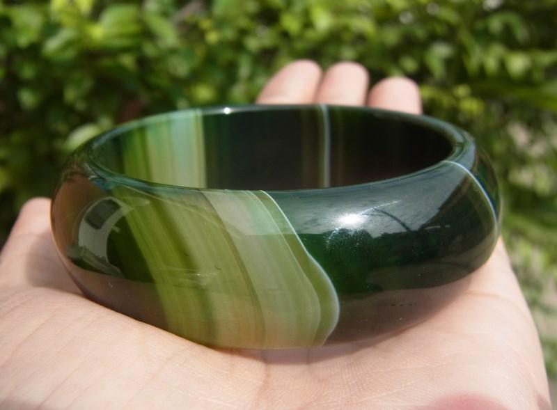 กำไลข้อมือหินอาเกตสีเขียวลายสวย