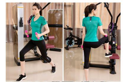 **2ชิ้น  size M/L/XL  สีดำ ชุดออกกำลังกาย/โยคะ/ฟิตเนส เสื้อแขนสั้น+กางเกงขาส่วน