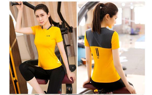 **2 ชิ้น size L/XL  สีเหลือง ชุดออกกำลังกาย/โยคะ/ฟิตเนส เสื้อแขนสั้น+กางเกงขาส่วน