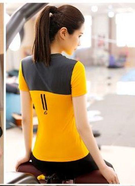 **1 ชิ้น size L/XL  สีเหลือง เสื้อแขนสั้นออกกำลังกาย/โยคะ/ฟิตเนส