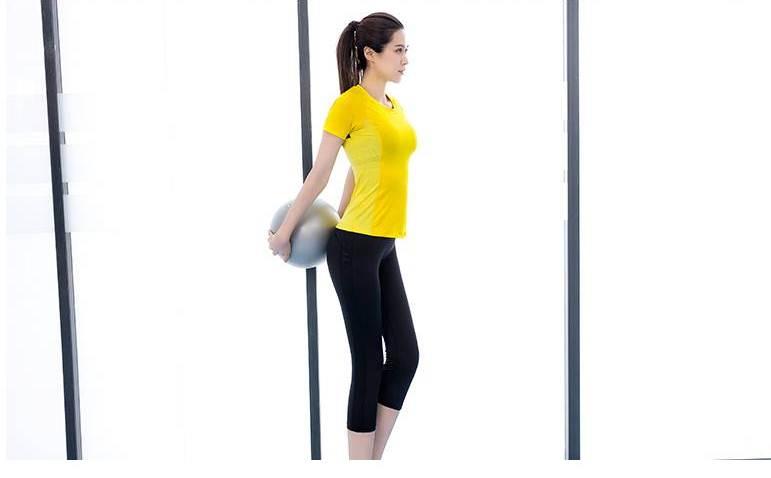 **2 ชิ้น size M/L/XL  สีเหลือง ชุดออกกำลังกาย/โยคะ/ฟิตเนส เสื้อแขนสั้น+กางเกงขาส่วน