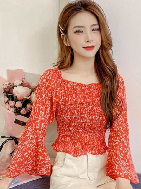 พรีออเดอร์ เสื้อแฟชั่น แขนยาวห้าส่วน ชีฟอง เสื้อปาดไหล่ สม็อกที่หน้าอก เสื้อผ้าสวย ๆ สไตลเกาหลี สี แดง น้ำเงิน ขาว