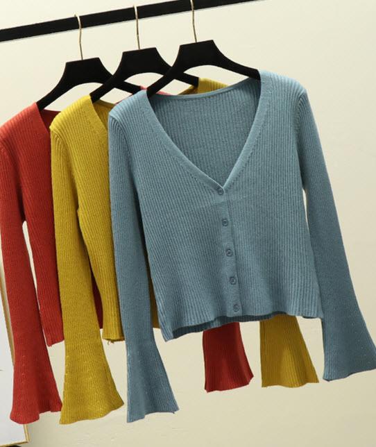 พรีออเดอร์ เสื้อแฟชั่น เสื้อคลุมแขนกระดิ่ง เสื้อไหมพรม แขนยาว แต่งกระดุมหน้า เสื้อผ้าเกาหลี สี ขาว ดำ เหลือง แดง ฟ้า ชมพู ครีม