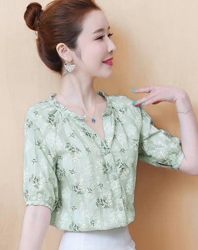 พรีออเดอร์ เสื้อแฟชั่น แขนสั้น คอจีน ลายดอก เสื้อเกาหลี ชุดทำงาน แขนตุ๊กตา สี เขียว ขาว