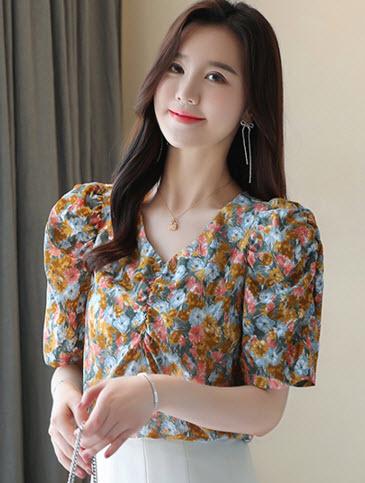 พรีออเดอร์ เสื้อแฟชั่น แขนสั้น เสื้อลายดอกไม้สวย ๆ คอกลม แบบสวม เสื้อผ้าเกาหลี ชุดทำงาน สี ส้ม และชมพู