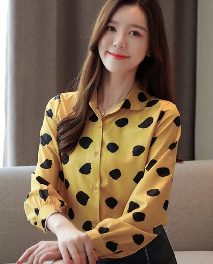 พรีออเดอร์ เสื้อแฟชั่น เสื้อเชิ๊ต แขนยาว เสื้อผ้าผู้หญิง แต่งกระดุมหน้า สี เหลือง เขียวเข้ม ดำ