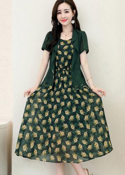 พรีออเดอร์ เดรส สวย ๆ ลายดอกไม้ เป็นชุดเข้าเซ็ทมาพร้อมเสื้อคลุมชีฟองแขนสั้น เก๋ ๆ สี ชมพู และเขียว ลายดอกไม้