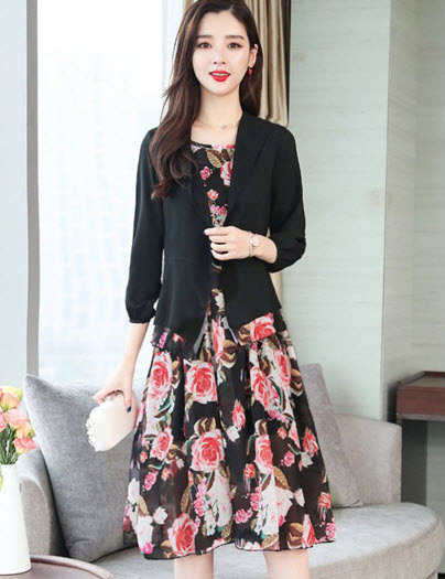 พรีออเดอร์ เดรสลายดอกไม้ เข้าชุดกับเสื้อคลุมสีดำ เป็นชุดเซ็ท ใส่แยกชิ้นได้ เดรสชีฟองสวย ๆ สี ดำ