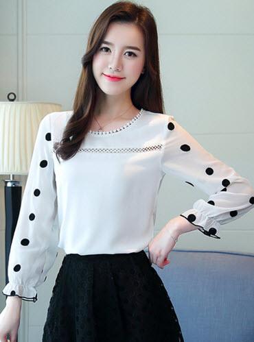 พรีออเดอร์ เสื้อแฟชั่น แขนยาว ลายจุดใหญ่ เสื้อชีฟอง ชุดทำงานผู้หญิง สวย ๆ สี ขาว
