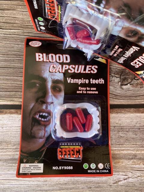 ++พร้อมส่ง++เขี้ยวแดรกคูร่า+แคปซูลเลือดปลอม เขี้ยวปลอม ฟันปลอม