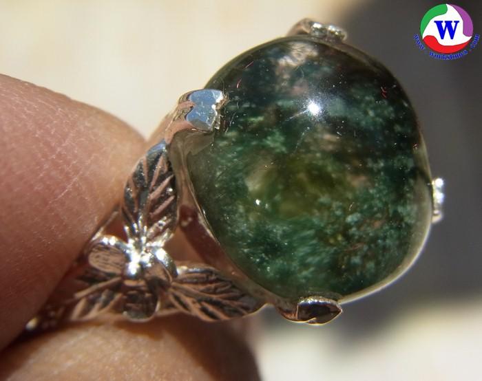 แหวนเงินหญิง 4.75 กรัม เบอร์ 61 แก้วโป่งข่ามนำโชค ชนิดแก้วปวกเขียวเข้มล้วยที่หายาก เมืองเถิน ลำปาง