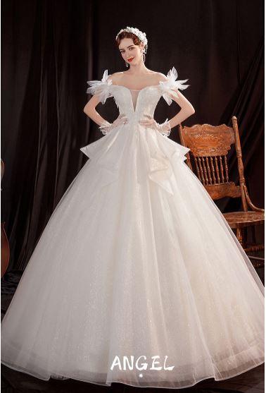 ชุดแต่งงาน สีขาว