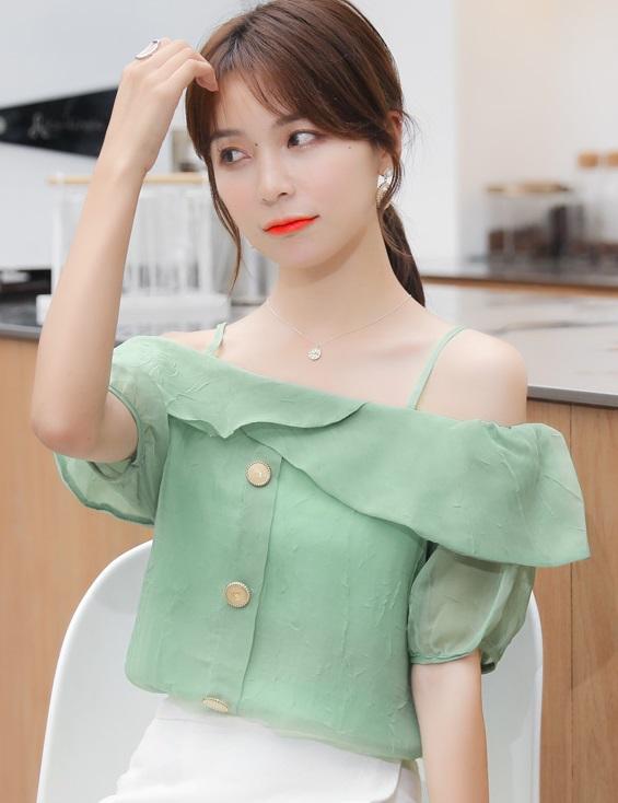 พรีออเดอร์ เสื้อสายเดี่ยว เสื้อชีฟองสวย ๆใส่ออกงาน ใส่ไปงานแต่ง สไตลเกาหลี ผ้าชีฟอง สี เขียว  ขาว