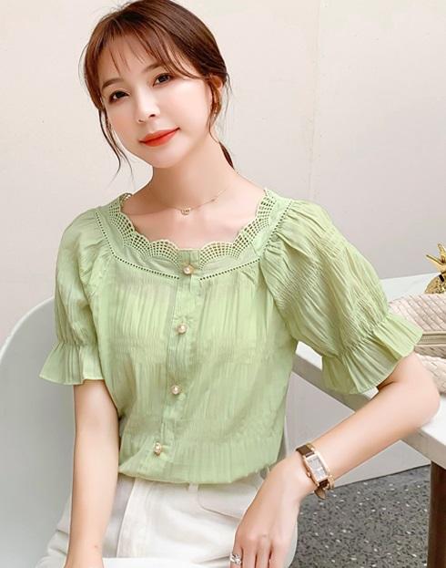 พรีออเดอร์ เสื้อผ้าแฟชั่น สไตลเกาหลี เสื้อแขนสั้น แขนตุ๊กตา ระบายลูกไม้ ผ้าคอตอนผสม สี เขียวอ่อน และ ขาว