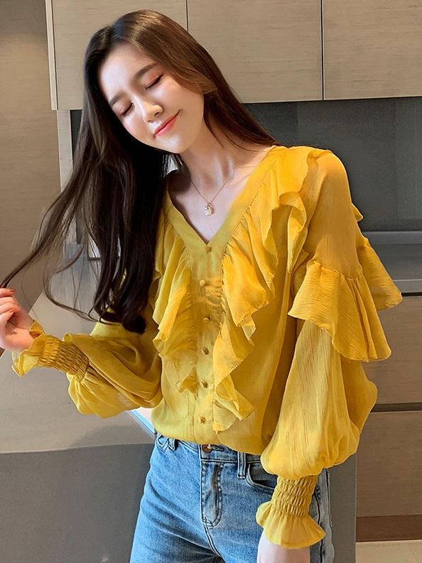 พรีออเดอร์ เสื้อแขนยาว เสื้อผ้าแฟชั่นเกาหลี ชีฟอง จี๊มแขน คอวี ใส่ออกงาน ไปงานแต่งหรือใส่เที่ยวได้ สี ชมพู ลายดอกไม้ และ เหลือง
