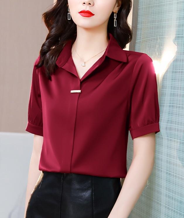 พรีออเดอร์ เสื้อแขนสั้น เสื้อเชิ้ต คอปก ฟรีเข็มกลัดหน้า ชุดทำงาน ใส่ออกงานได้ สี แดง ฟ้า ขาว ดำ