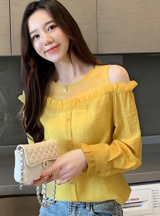 พรีออเดอร์ เสื้อแขนยาว เปิดไหล่ ผ่าไหล่สวย ๆ จั๊มแขน สไตลเกาหลี  สี เหลือง